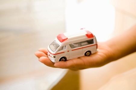 子どもの急病やケガの時の救急車の利用法